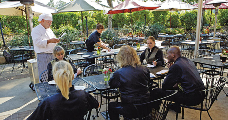 Best Practices for Training Staff on Your Menu